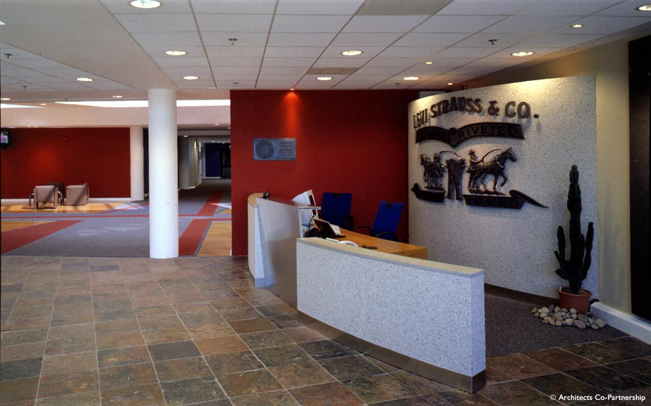 Foyer Office Uk : Levi s uk hq distribution centre roger mears architects